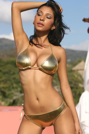 ujena bikini